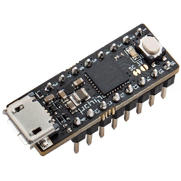 uChip: la micro board compatibile con Arduino Zero - con header