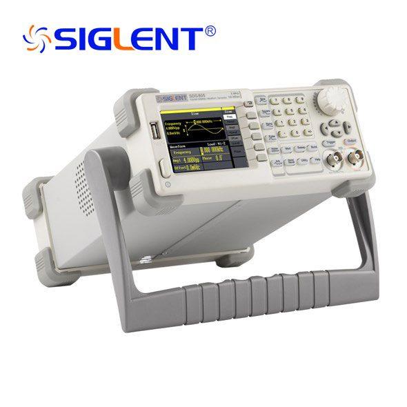 Generatore di funzioni/forme arbitrarie - 5MHz